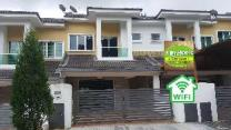 Homestay N12 (14 pax)  @ Golden Hills Night Market