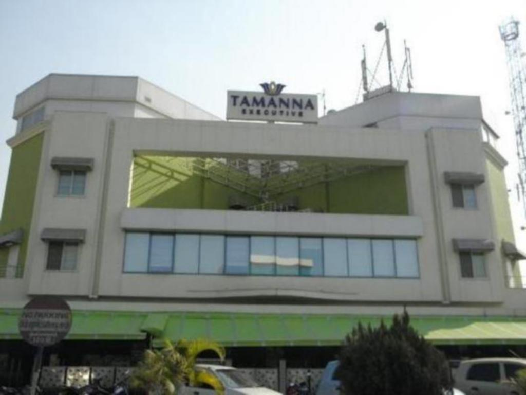 Executive Tamanna Hotel in Pune - Room Deals, Photos & Reviews