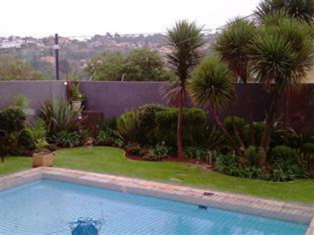 Swimming pool Kwa Mkhabele Lodge