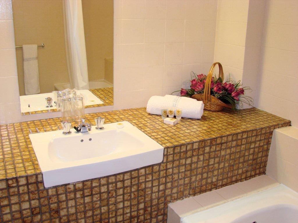 Bathroom Durban Manor Hotel and Conference Centre