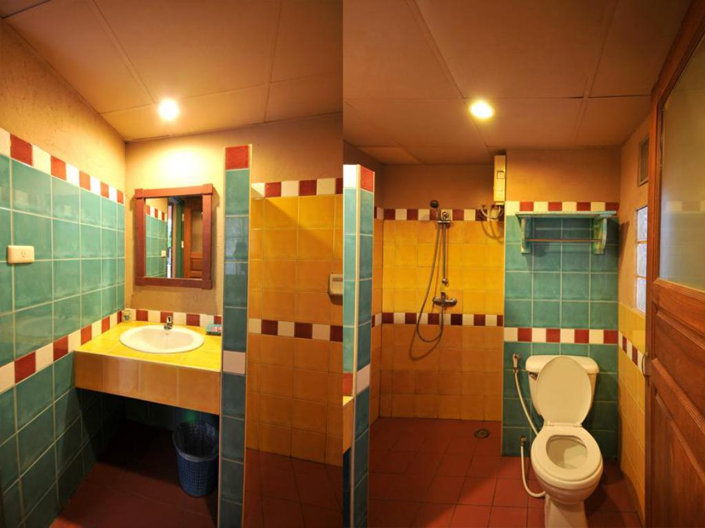 Bathroom Casa Brazil Homestay & Gallery