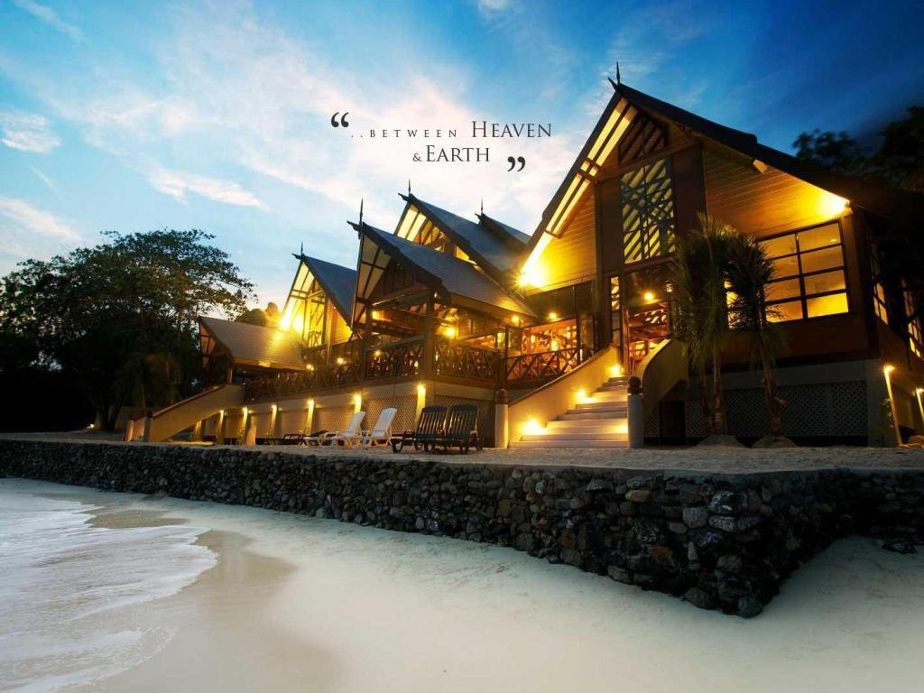 Tunamaya Beach & Spa Resort