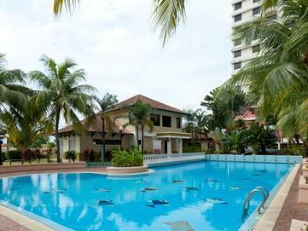 Swimmingpool Selat Horizon Condo Apartment