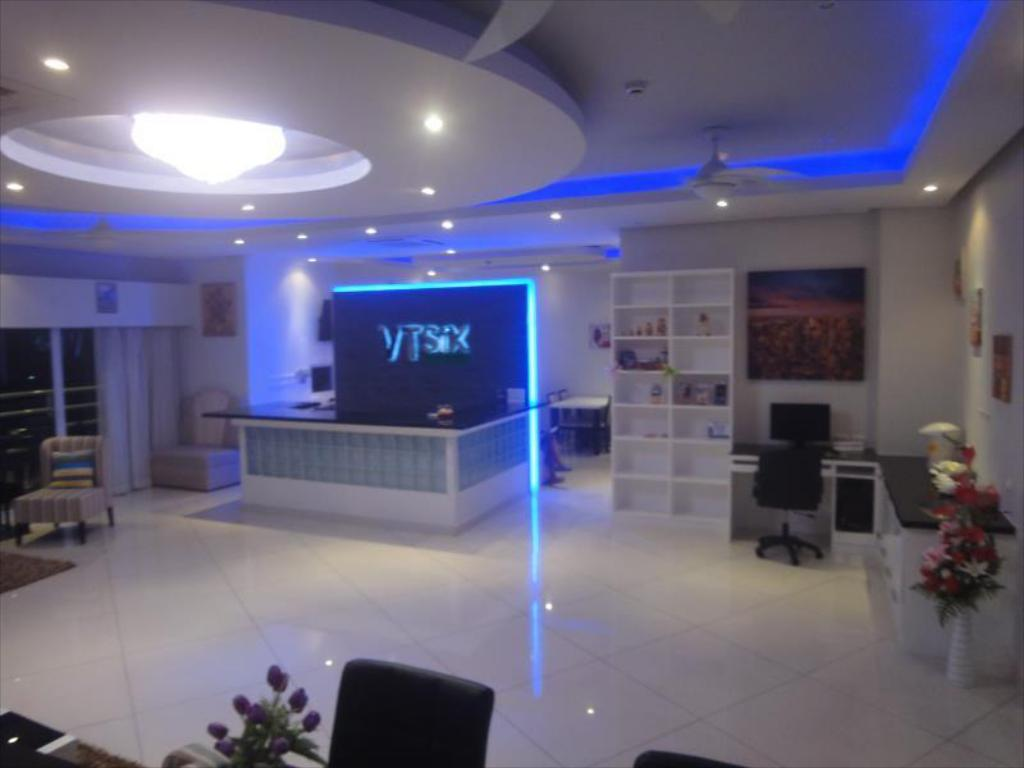 Fuajee Vtsix Condo Rentals at View Talay 6 Pattaya