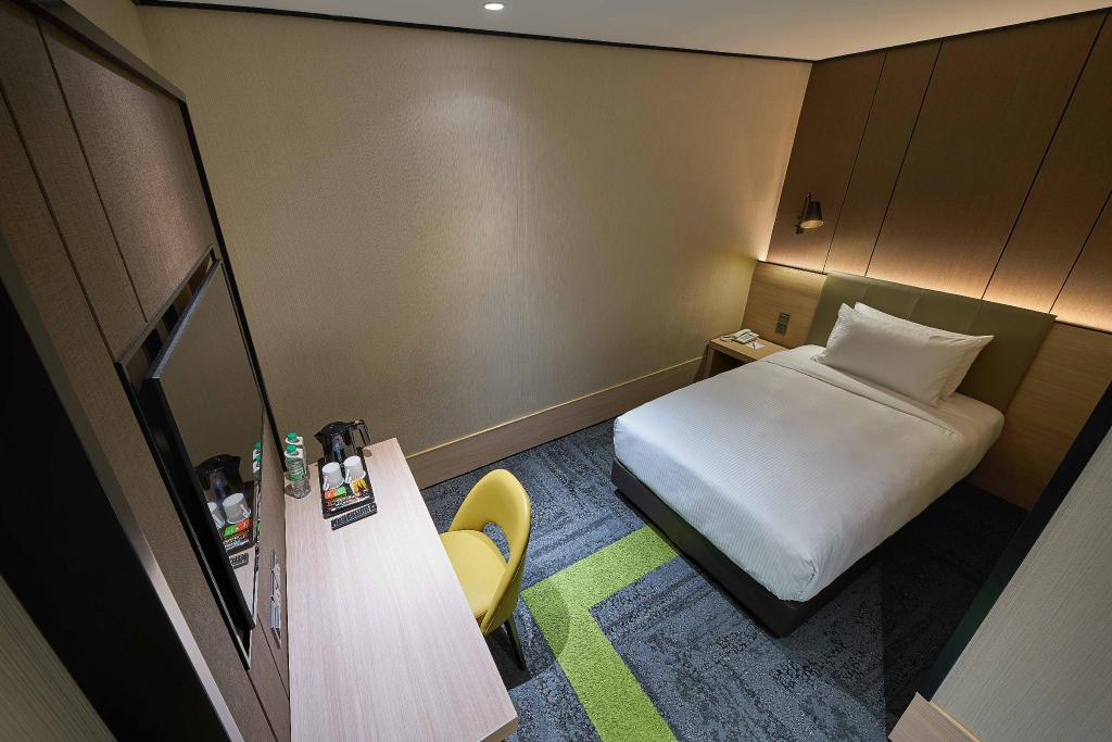Solo Plus - 3 Hours Stay, & Meal - Bedroom Aerotel Kuala Lumpur (Airport Hotel) - Gateway@klia2