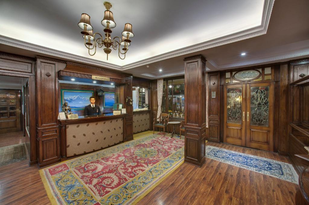 Hotel Mayfair Darjeeling, India - Photos, Room Deals