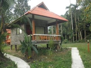 Baan Rimnam Resort