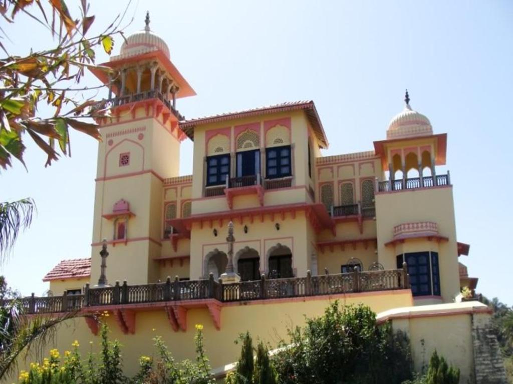 Jaipur House Mount Abu Standard Room