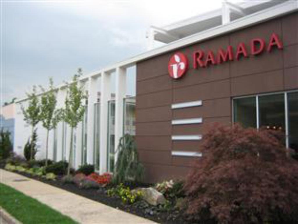 More About Ramada Inn And Suites Of Rockville Centre