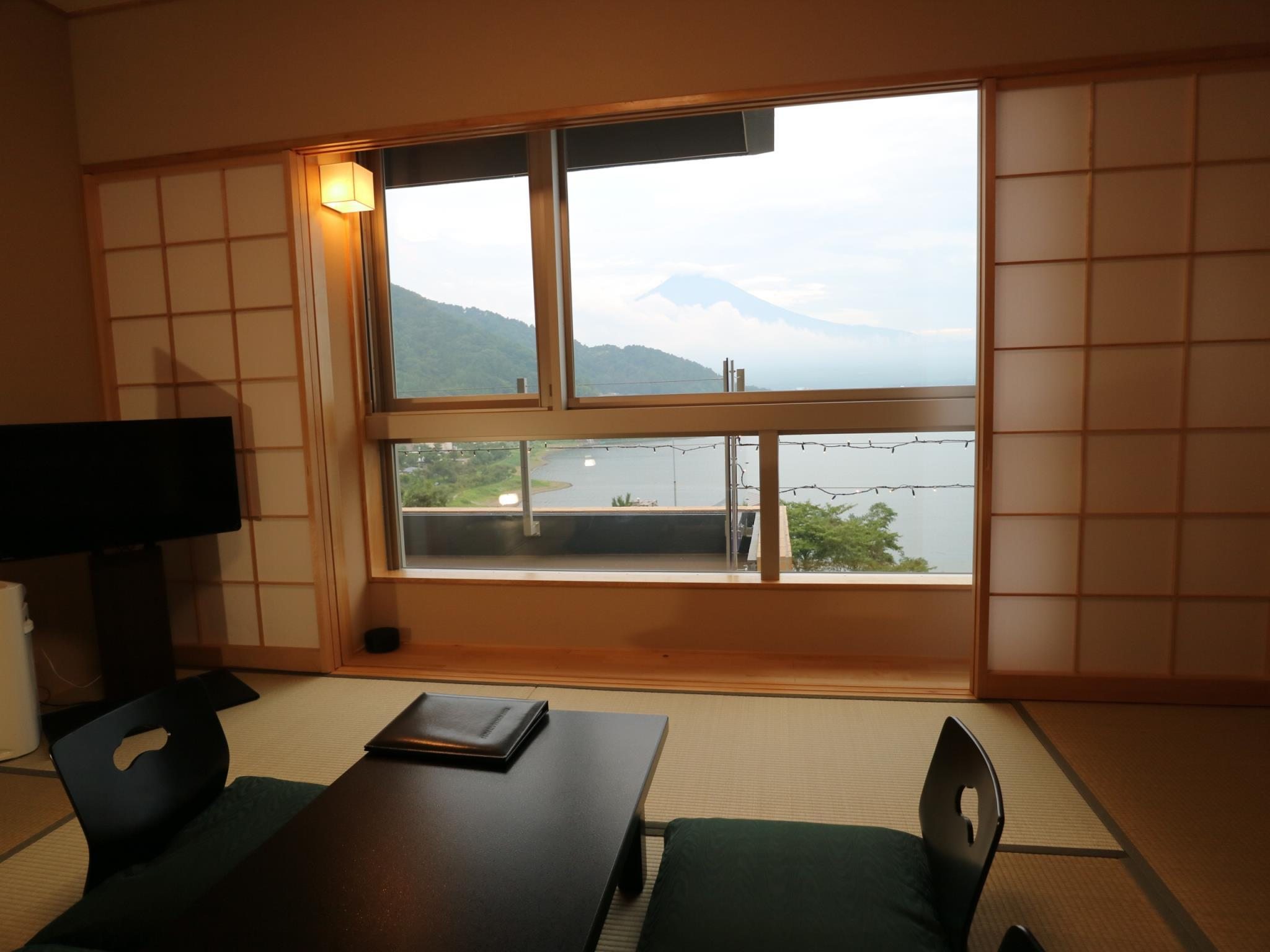 Standard Japanese Style Mount Fuji and Lake View Room - Non-Smoking