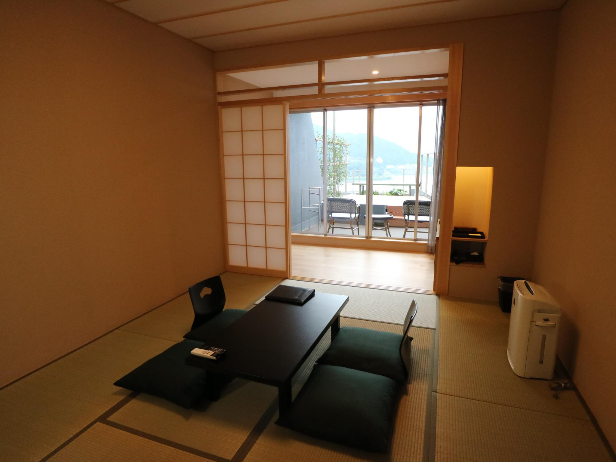 Mount Fuji and Lake View Japanese Style Room 1 with Balcony - Non-Smoking