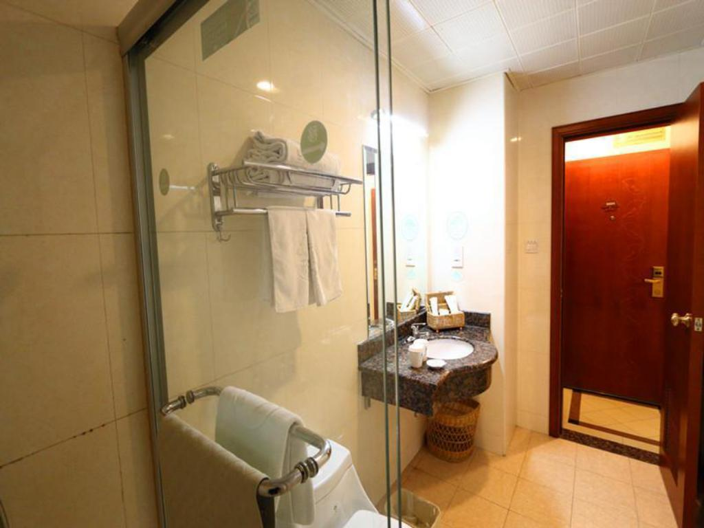 Badezimmer GreenTree Inn Shanghai Beiwaitan Ningguo Road Station Business Hotel