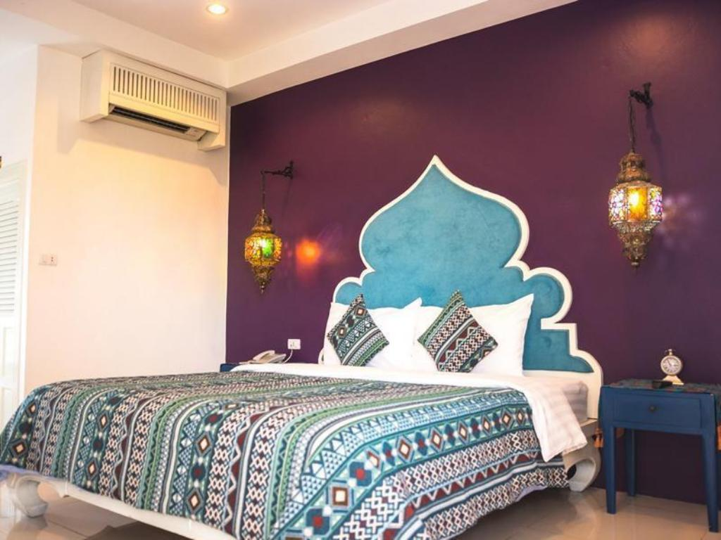 Deluxe King Bed Rasa Boutique Hotel