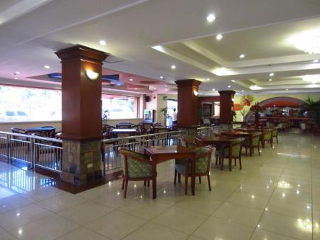 Lobi Grand Regal Hotel Bacolod