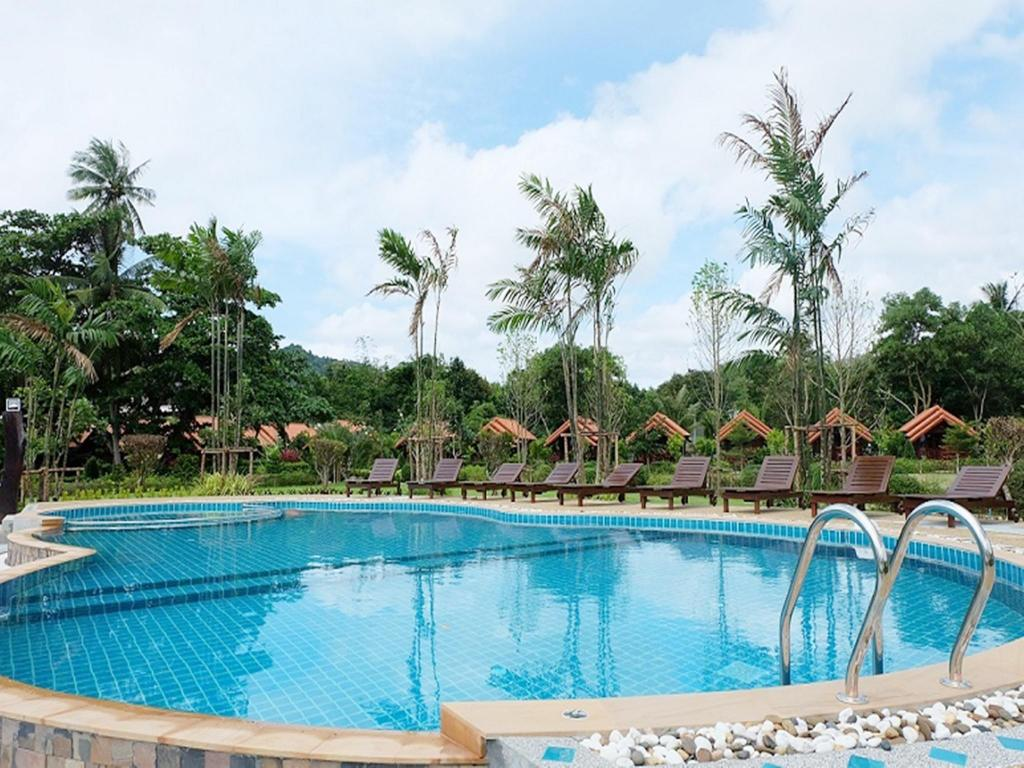 Best Price on Diamond Beach Resort in Krabi  Reviews