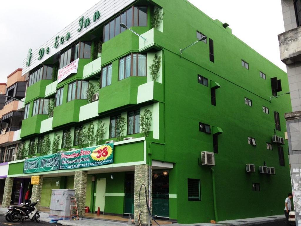 Hotel De Eco Inn - Bayu Perdana in Klang - Room Deals