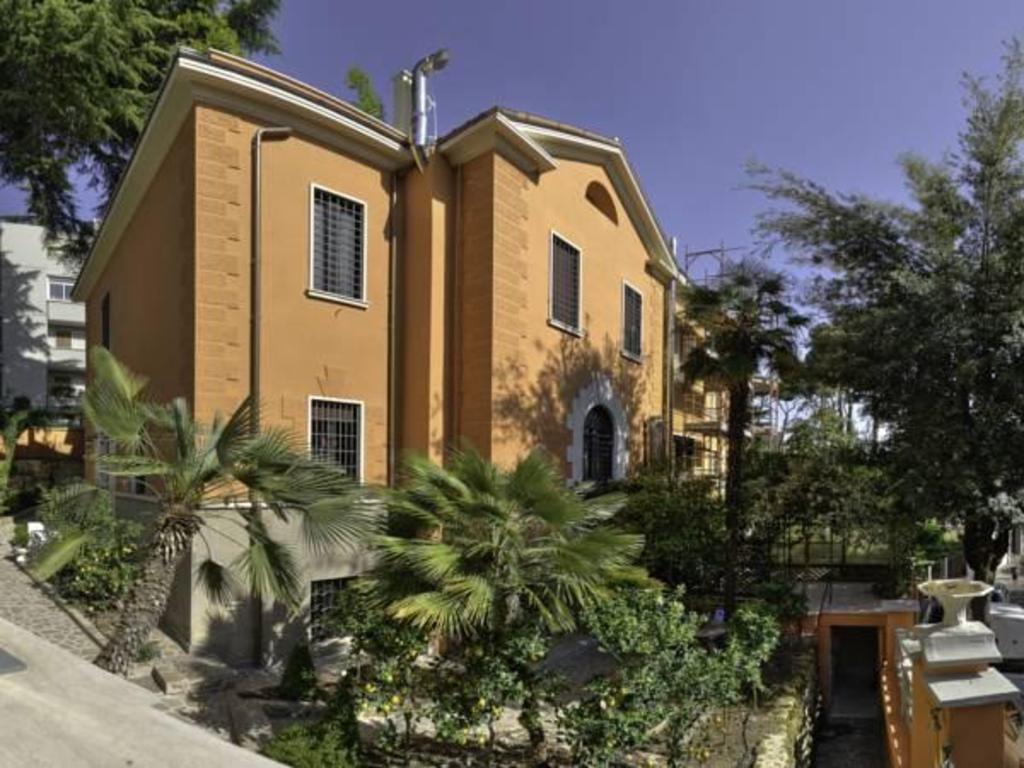 Antica Dimora Contessa Arrivabene Rome Italy