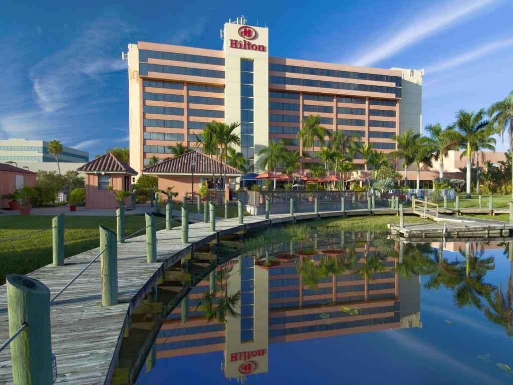 More about Hilton Palm Beach Airport
