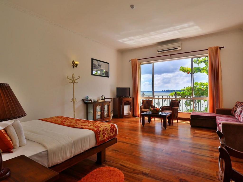 Deluxe Double or Twin Room with Free 3 Hour Udawalawe Safari