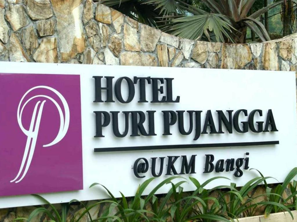 More about Puri Pujangga Hotel
