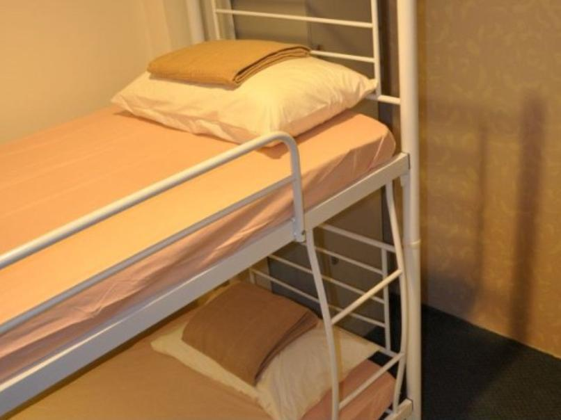 Twin Bed Private Room Non En-Suite