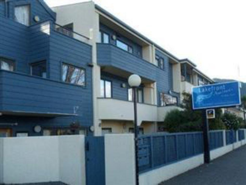 best price on lakefront apartments in queenstown + reviews