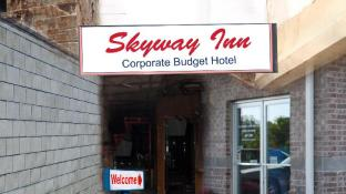 Hotel Skyway Inn