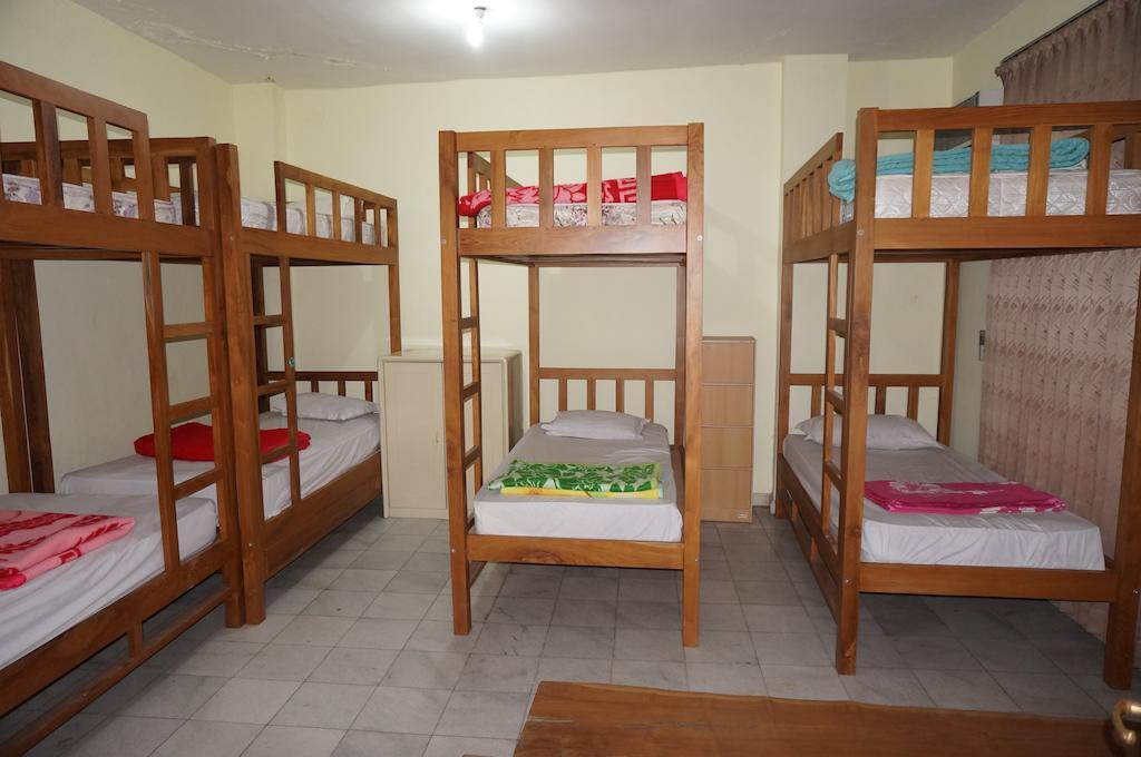 Female Bunk Bed Dormitory