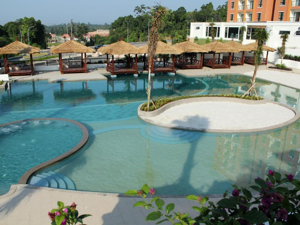 Swimming pool Arabian Bay Resort Bukit Gambang Resort City