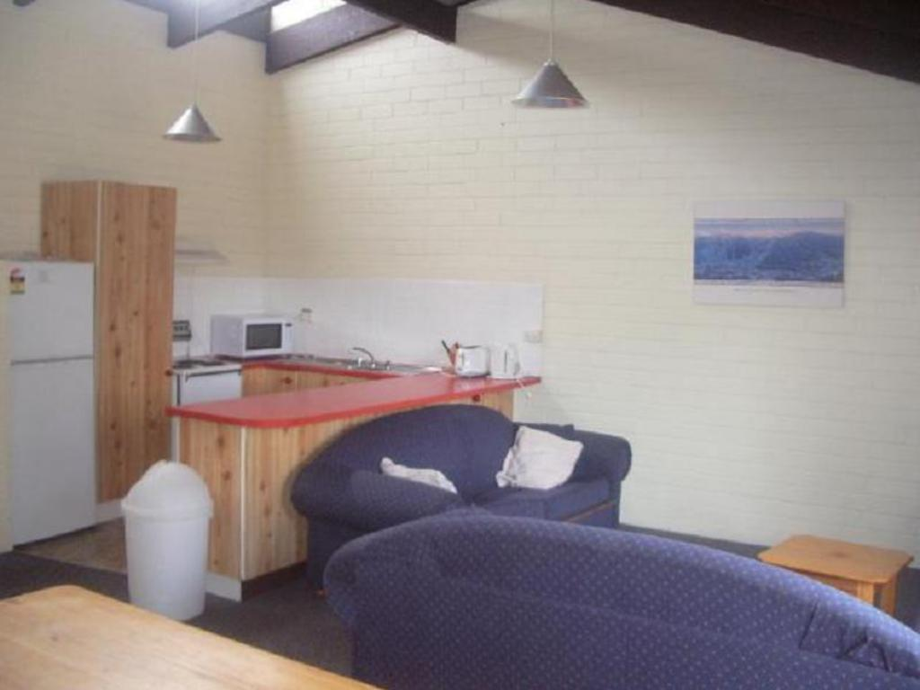 Alpha Centauri 8 - Budget Jindabyne Holiday Apartment