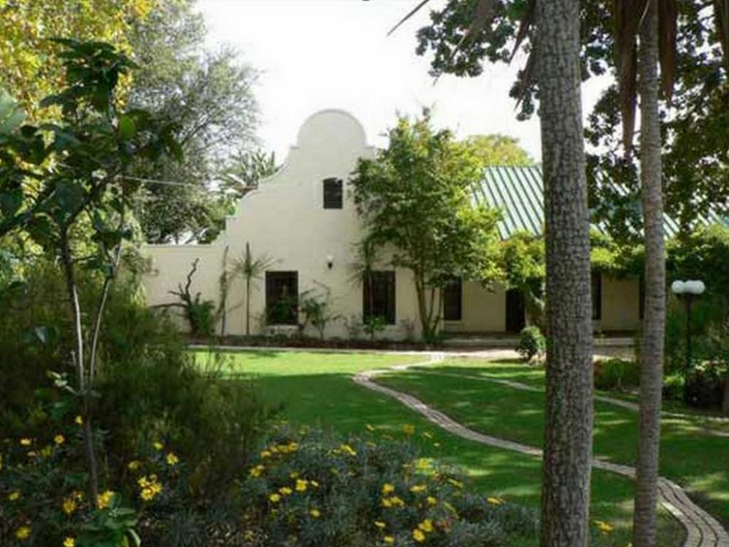 More about Zandberg Country House