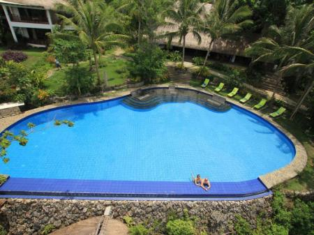 Swimming pool Amun Ini Beach Resort & Spa