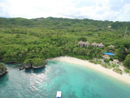 Beach Amun Ini Beach Resort & Spa