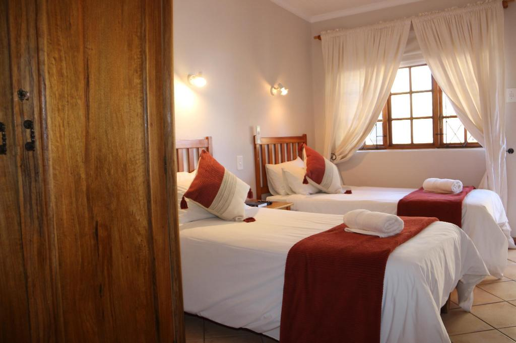Standard Twin Room - Bed Aan die Oewer Guest House