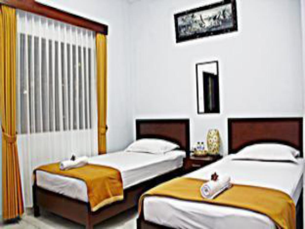 Twin Room - Guestroom Nakula Guest House
