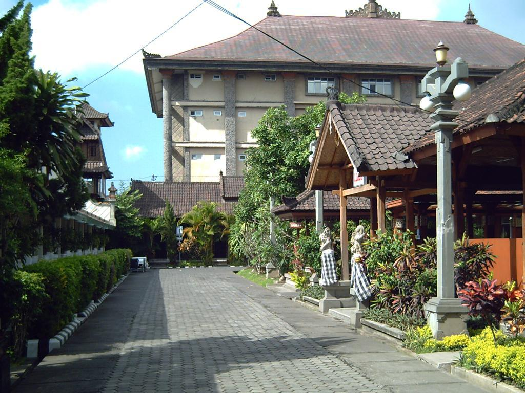 Best Price On Hotel Ratu In Bali Reviews