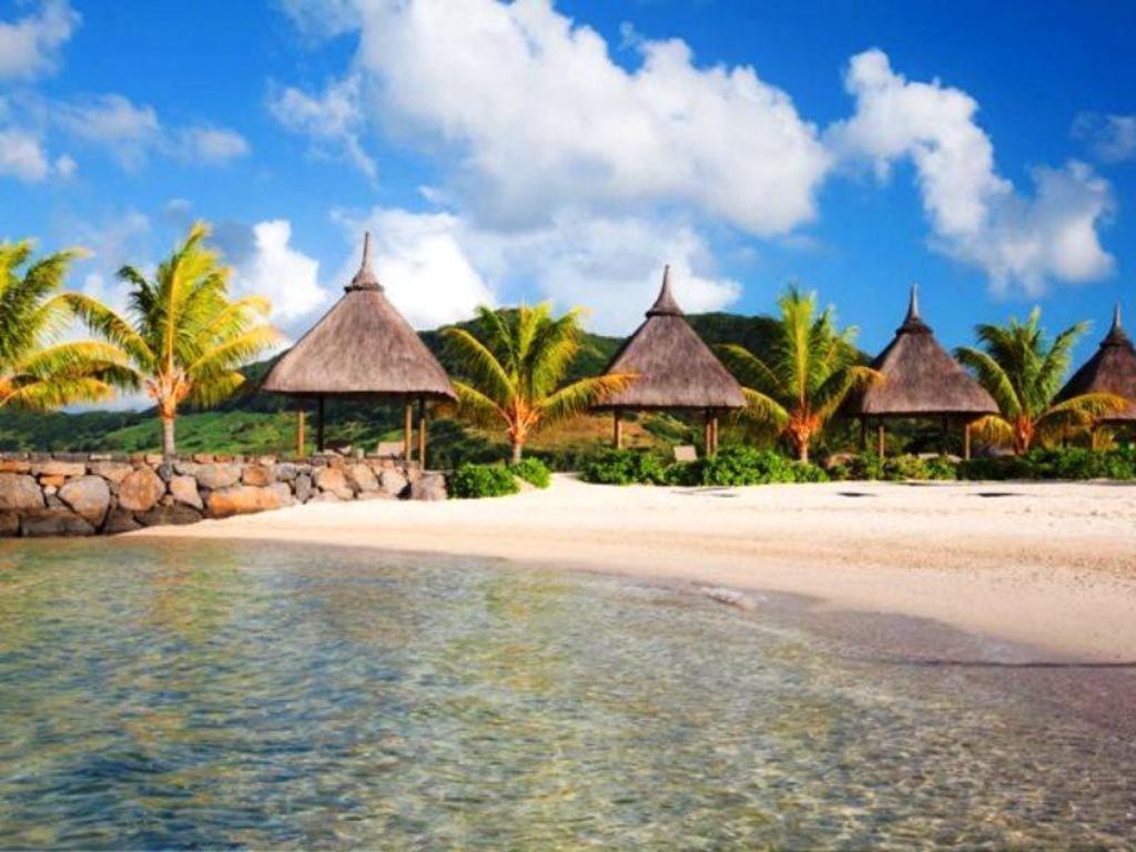 Best price on laguna beach hotel spa in mauritius island for Laguna beach house prices