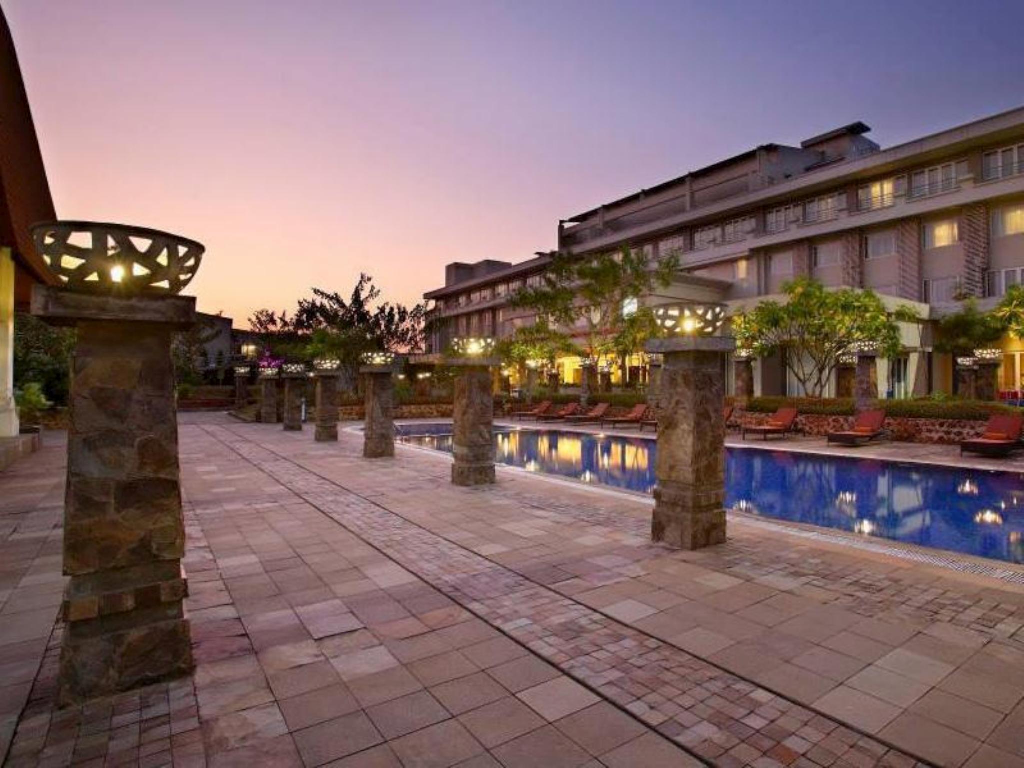 hotel santika tmii in jakarta room deals photos reviews rh agoda com hotel melati di sekitar tmii hotel murah di dekat tmii