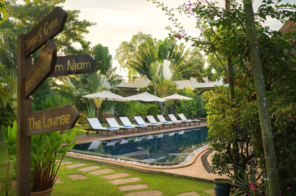 Swimming pool [outdoor] Navutu Dreams Resort & Wellness Retreat