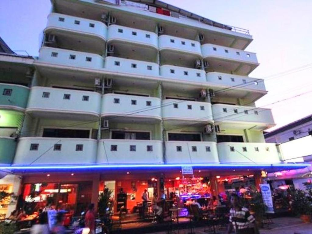 Exterior view Billabong Hotel