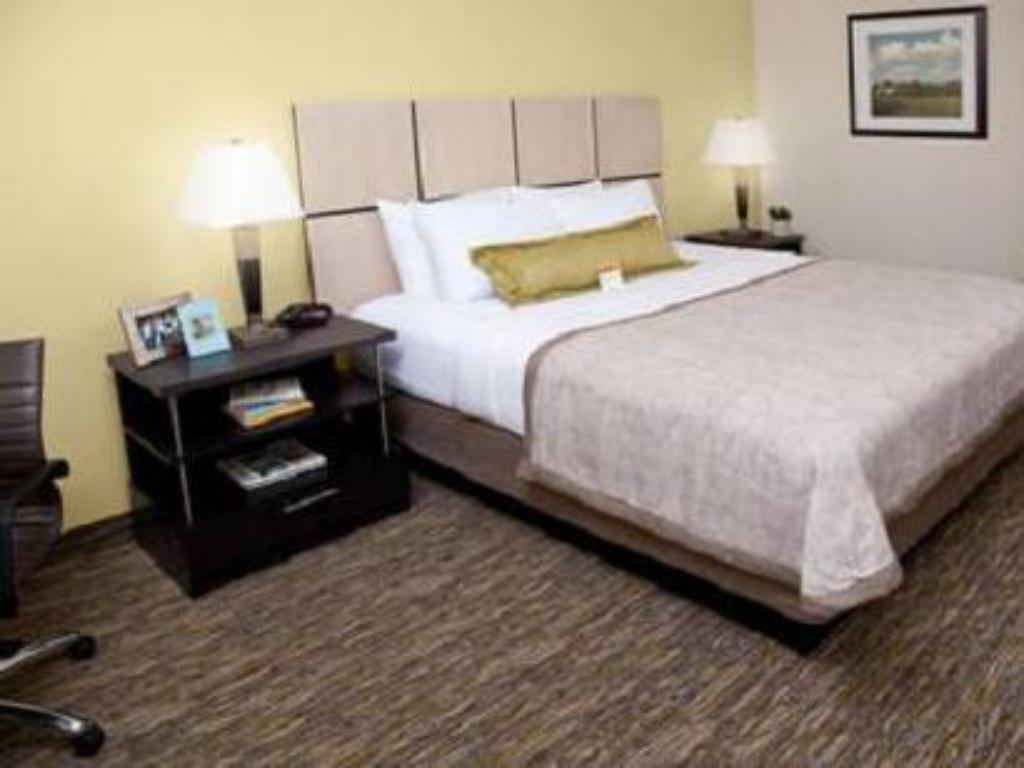 Standard - Bed Candlewood Suites North Little Rock