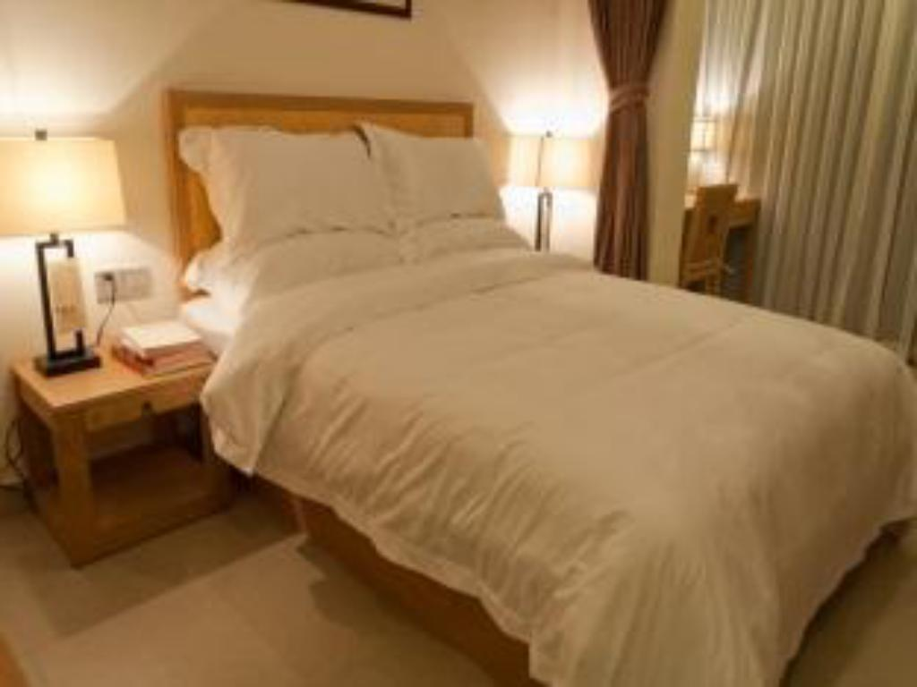 Superior Queensize Bed Hangzhou Show Tea Garden Hotel