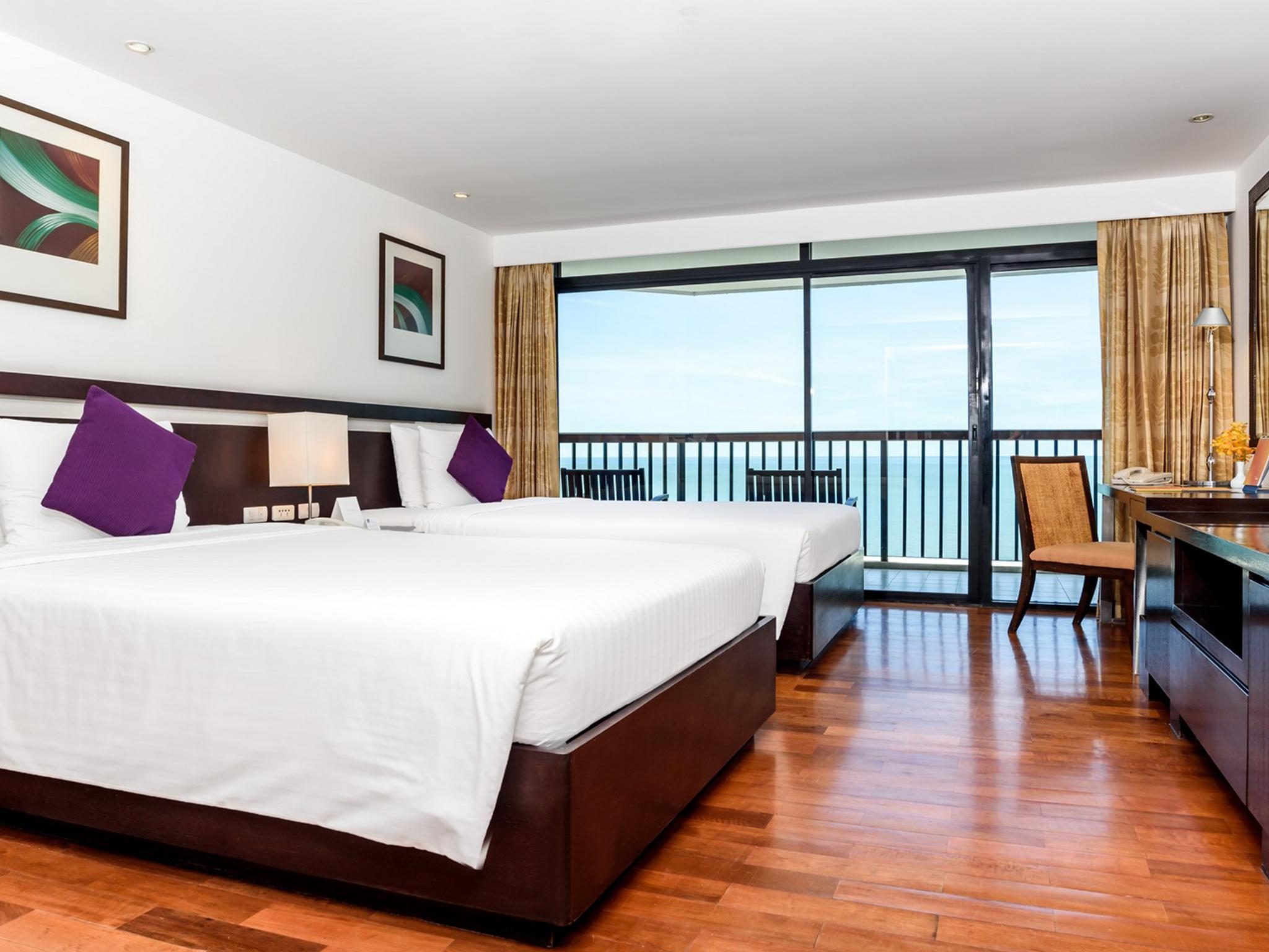 Standard Twin Beds, Ocean View