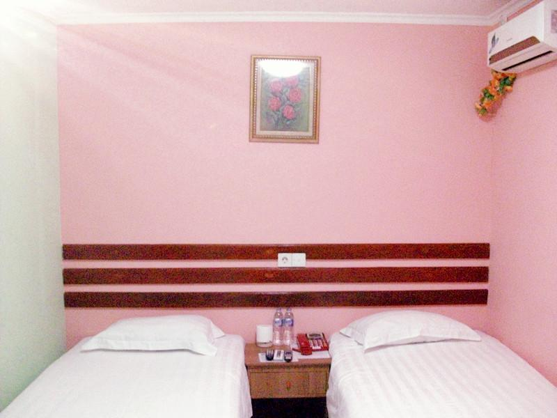 Kamar Standard 2 Ranjang Single dan Tanpa Jendela (Standard Room Two Single Beds No Window)