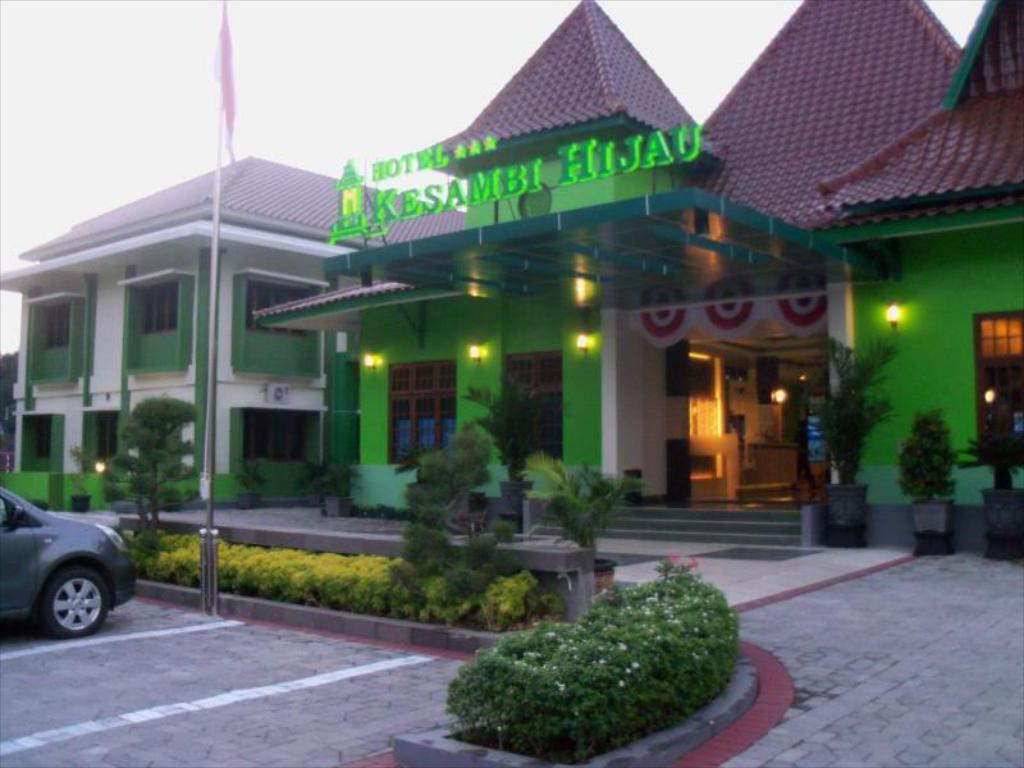 Best Price On Kesambi Hijau Hotel In Semarang Reviews