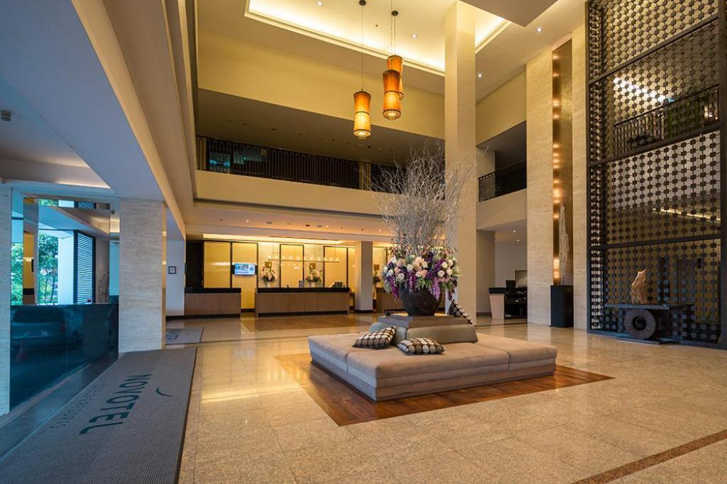 Vestibule Novotel Hua Hin Cha Am Beach Resort & Spa