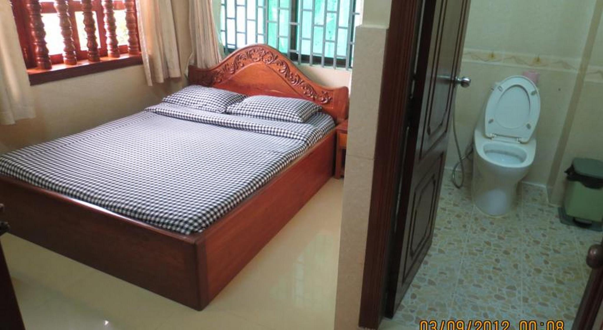 Queen Room with Air Condition