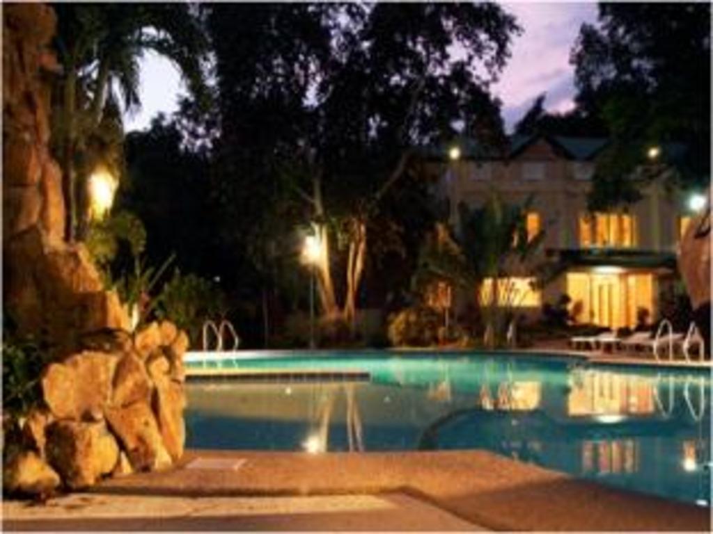 Best Price on Vista Venice Resort in Bataan + Reviews!