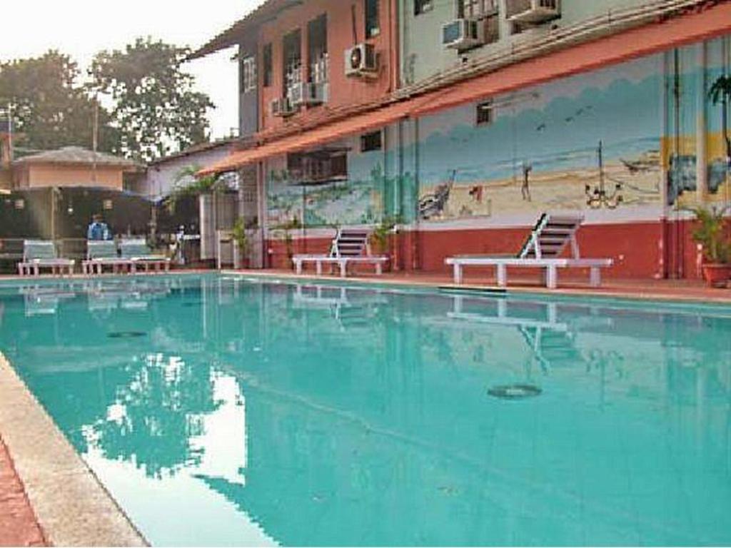 Neo Calangute Beach Resort, Goa, India - Photos, Room