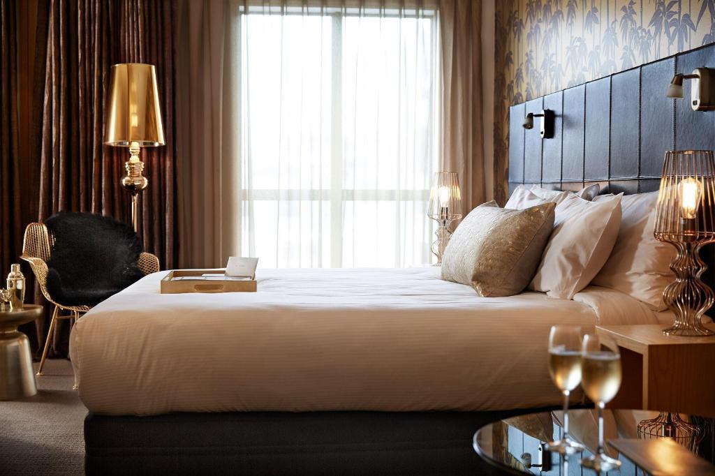 QT Wellington Apartments in New Zealand - Room Deals, Photos